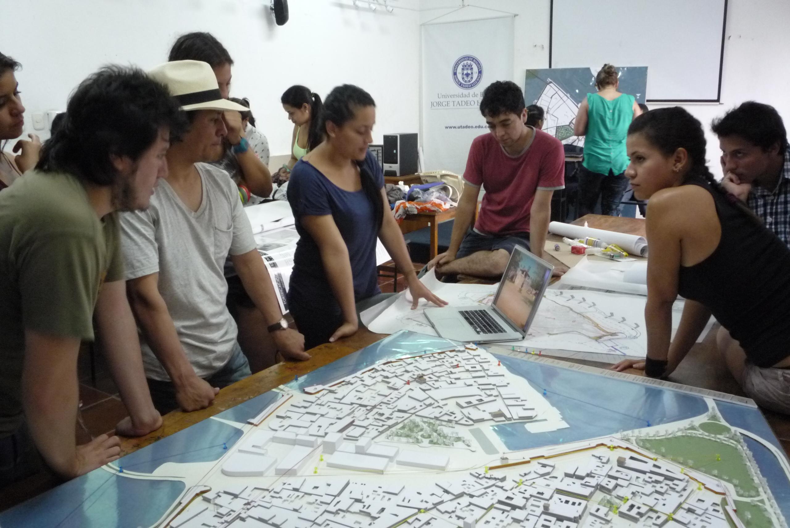 Decano de arquitectura universidad de nari o en taller de for Decano dela facultad de arquitectura