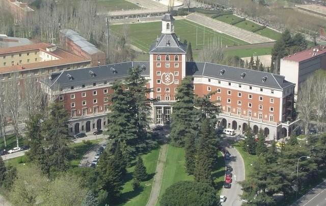 Universidad Complutense de Madrid   Universidad de Bogotá Jorge Tadeo Lozano