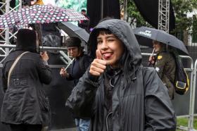En Utadeo, la alegría y la buena vibra pudieron más que la lluvia. Foto: Laura Daniela Valencia, estudiante de Diseño Industrial.
