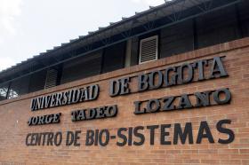 El Centro de Bio-Sistemas fue denominado hasta el 2010 como Centro de Investigaciones y Asesorías Agroindustriales (CIAA). a partir del 28 de julio de este año, se incorporó el nombre de uno de sus fundadores, Alberto Lozano Simonelli, como tributo a su incansable labor en aras de la realización de este proyecto.
