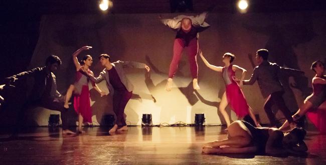 e2edc355e9d2 La danza contemporánea surgió como una ruptura al ballet clásico, una danza  que parte de algunos referentes de la danza teatro, la improvisación, ...