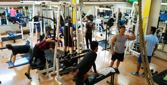 Horarios de gimnasio y squash universidad de bogot for Horario gimnasio